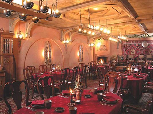 araratholl1 - Ararat Hall