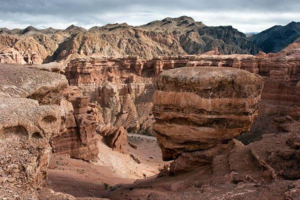 charin1 - Charyn Canyon