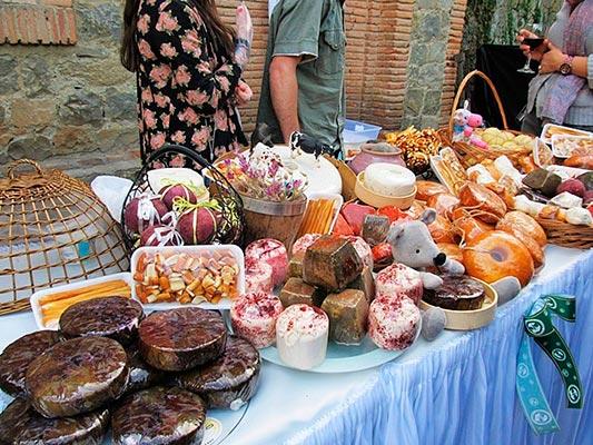 grusiya sir1 - Cheese - is one of the gastronomic symbols of Georgia