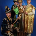 kaz kostum2 150x150 - Kazakh traditional costume: history and features