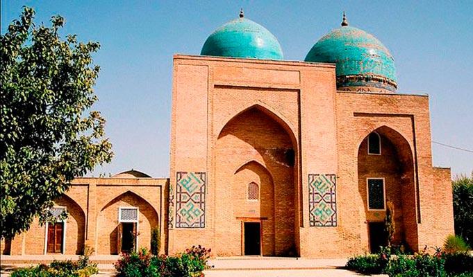 kok gumbaz6 - Kok Gumbaz Mosque