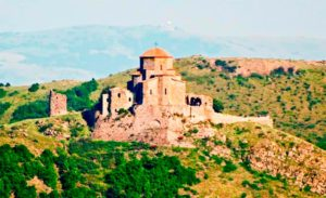 monastir djvari1 300x183 - Грузинский монастырь Святого Креста