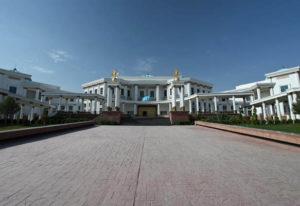 musey nezav turkmen6 300x206 - Национальный музей независимости страны