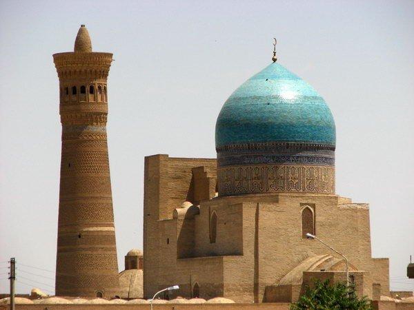 uz2 - Unforgettable Uzbekistan