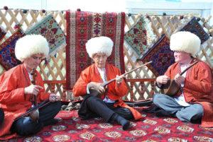 bahshi1 300x201 - Туркменистан: национальный фольклор