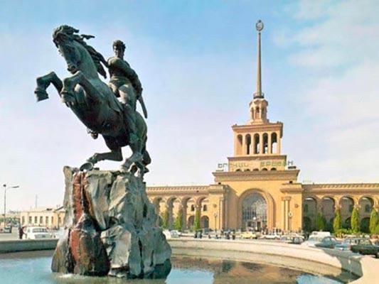david s1 - Памятник Давиду Сасунскому