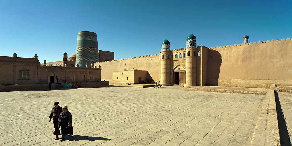 early morning in Khiva a28167409 1 - HOT TOUR FRANCE
