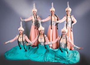 kaz tanci6 300x216 - Features of the national Kazakh dance
