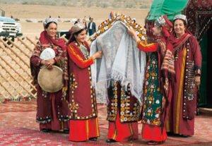svadba turkmen5 300x207 - Традиционные свадебные наряды
