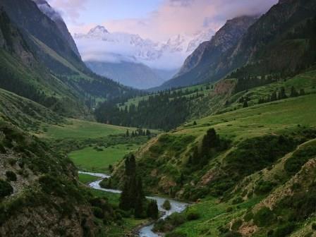 cultural/trekking Kyrgyzstan