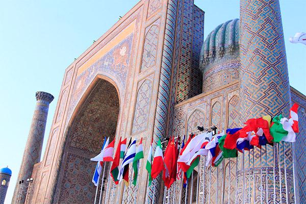 "samarkand sharq taronalari flags - Uzbekistan to host music festival ""Sharq taronalari"" 2019"