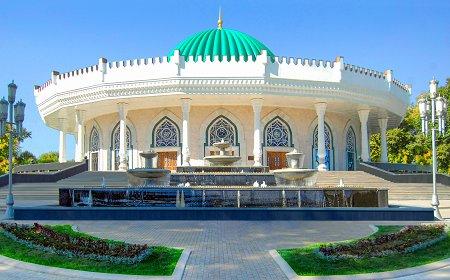 1392843 amir temur muzeyi croped - About Uzbekistan