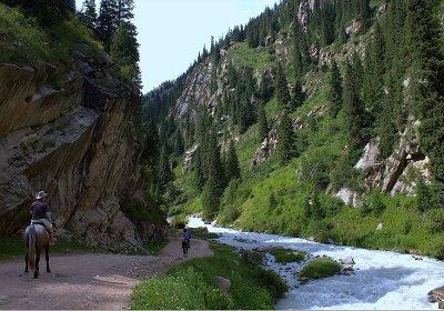 Туры в Киргизию. Ущелье Чон Ак-суу